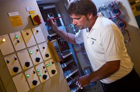 electrician meter testing