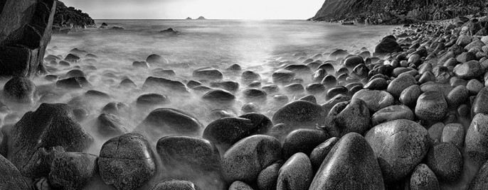 dinosaur-egg-beach-porth-nanven-02